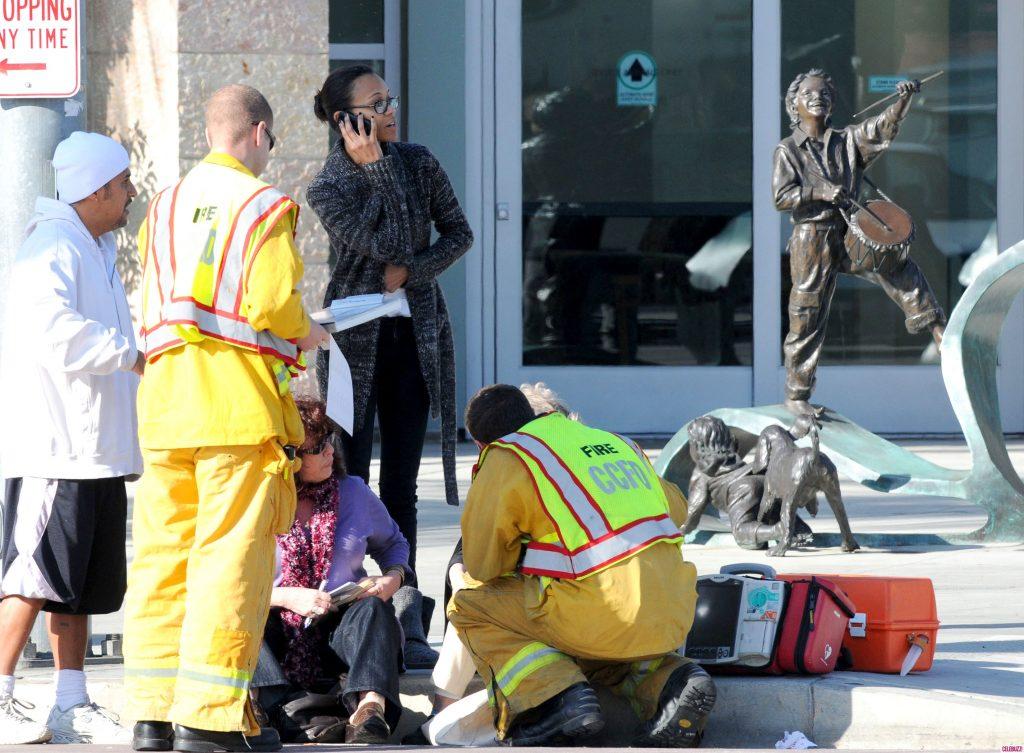 Zoe-Saldana-Helps-Car-Crash-Victim-in-Culver-City-8-2850x2096